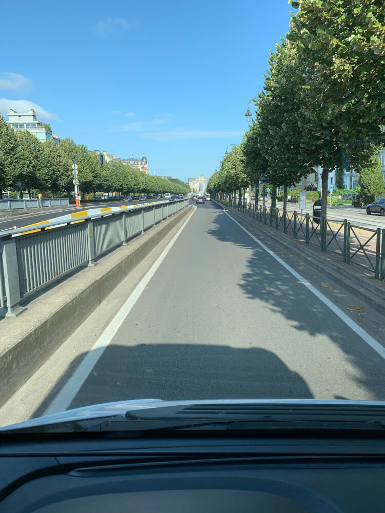 Auf der Straße mit dem Wohnmobil in Brüssel
