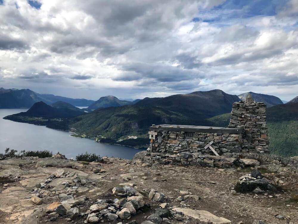 Steinhütte auf dem Romsdalseggen